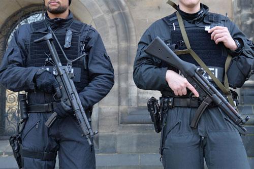 Полиция с MP5, г. Бремен (Германия)